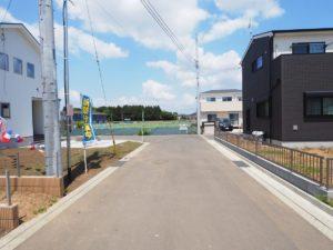 東側 公道